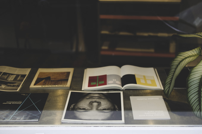 leica tl2 SUMMILUX TL 35mm f1.4 物撮り books